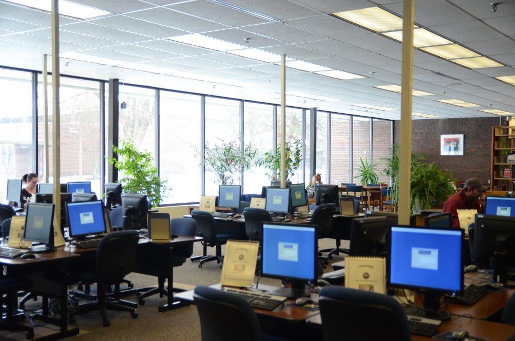 アメリカ大学コンピュータラボ