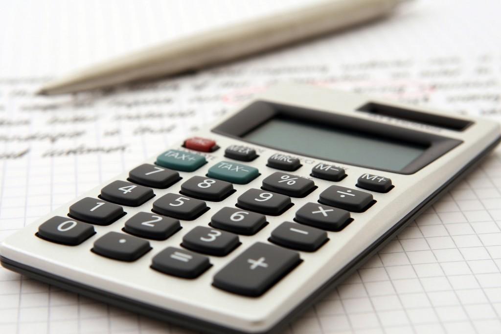 accountant-1238598_1920-min