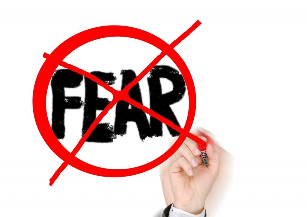 fear-617132_1920-min