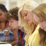 アメリカ留学で費用を半分に抑えるための3つの方法