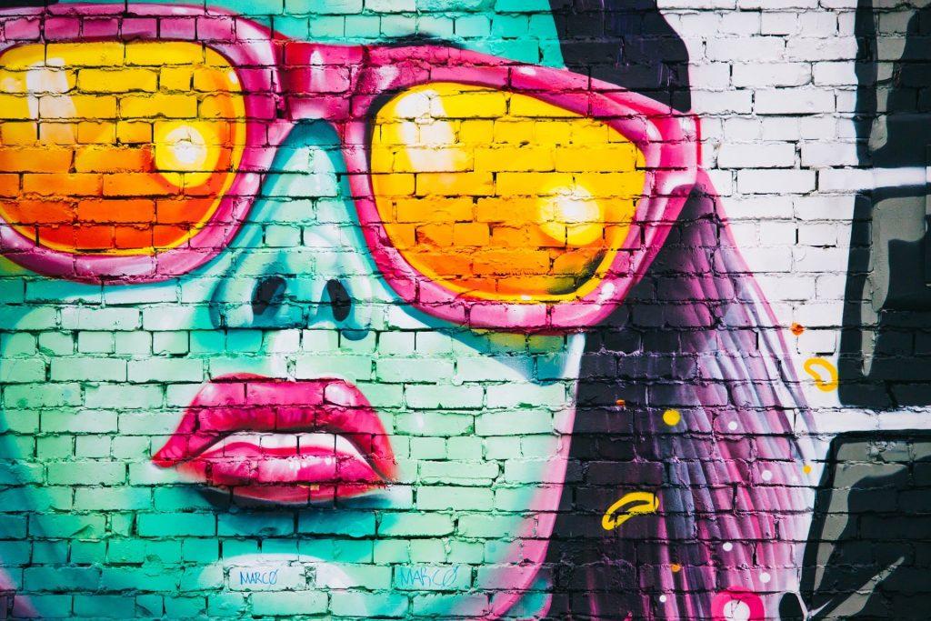 graffiti-wall-1209761_1920-min