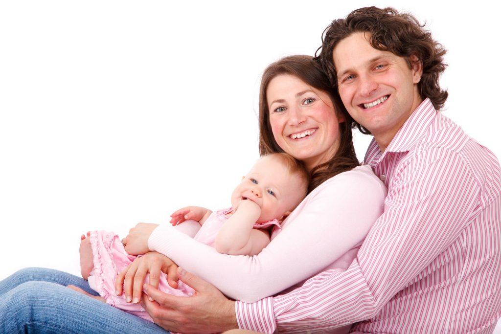 とても仲の良い家族の写真
