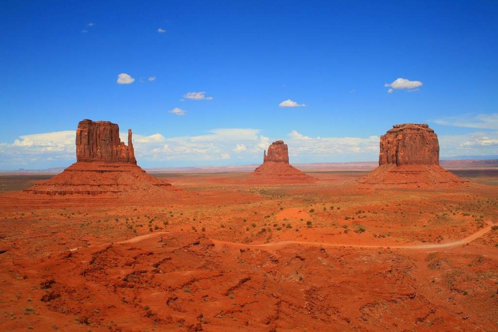 monument-valley-1235223_1920-min