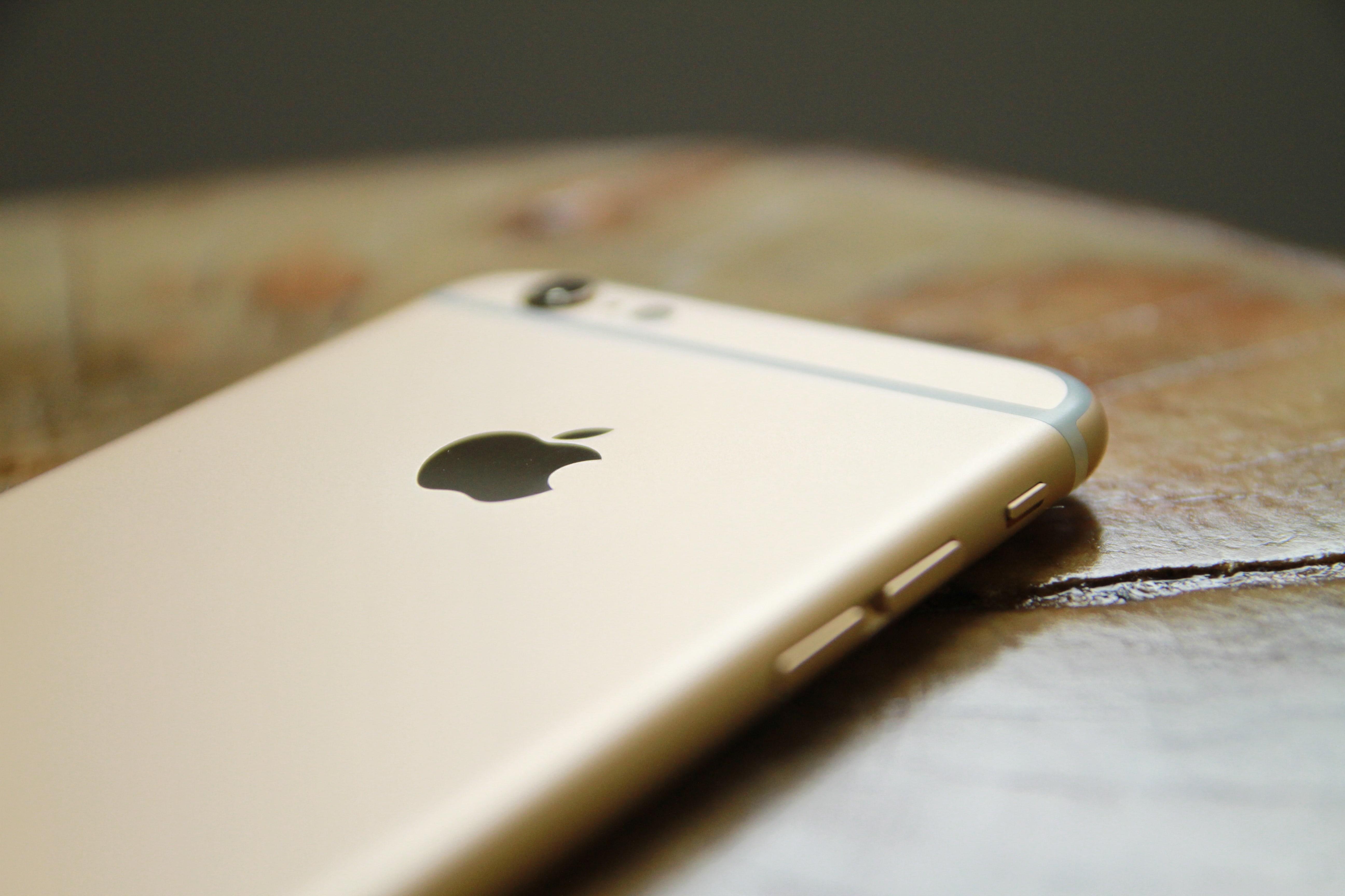 シムロックのかかったiPhoneでも大丈夫!auのiPhoneならアメリカで使える!