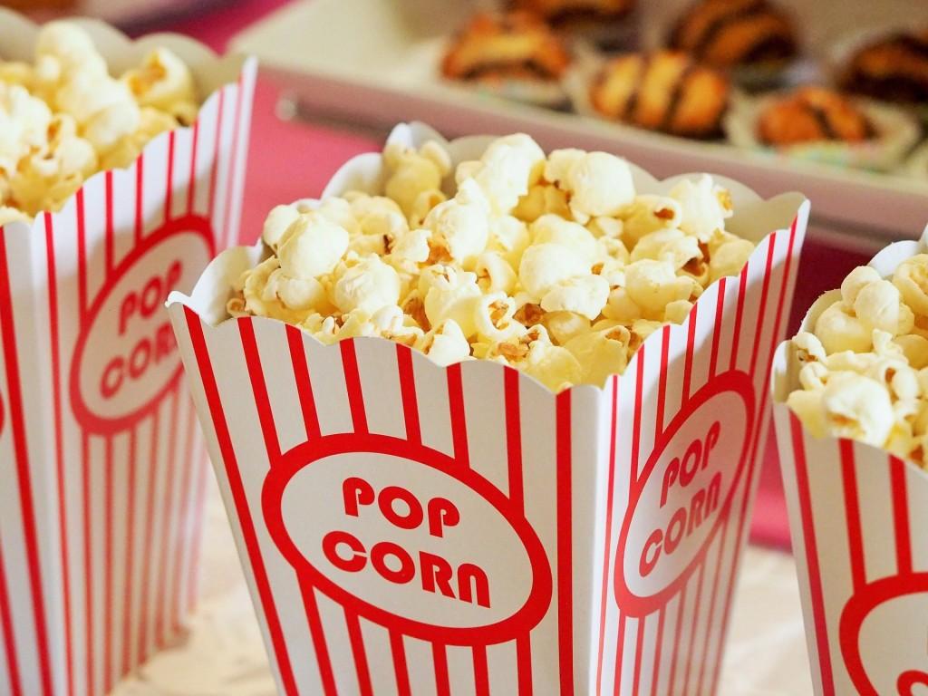 popcorn-1085072_1920-min