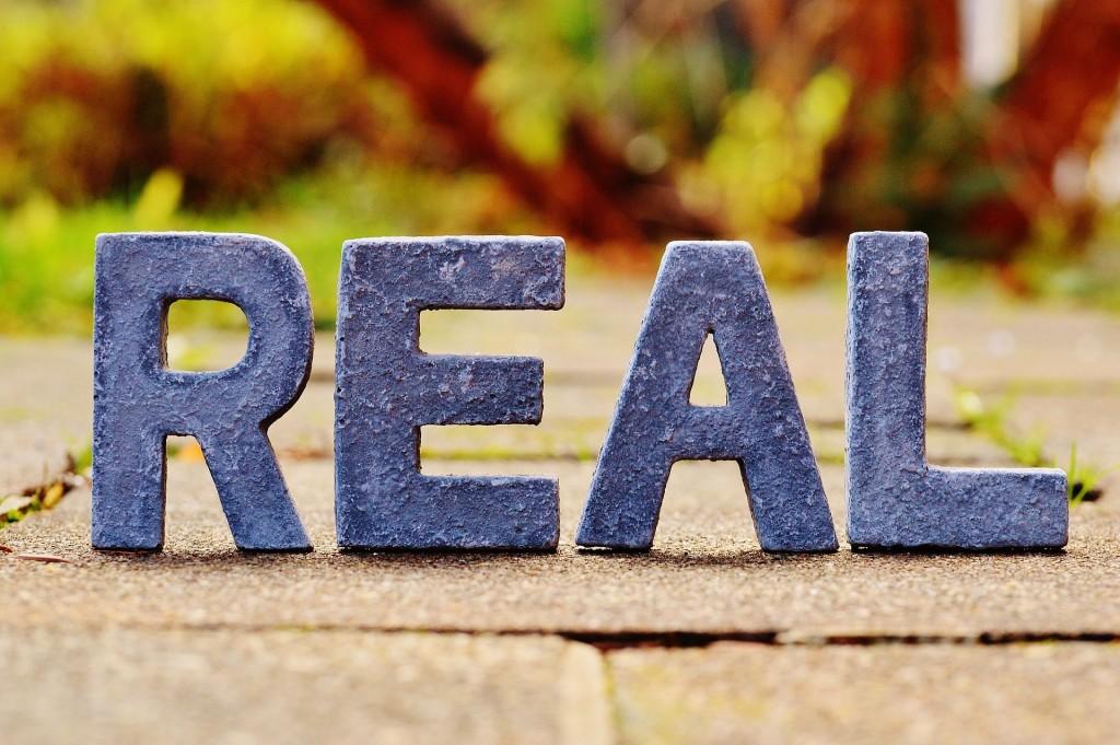 reality-1098740_1920-min