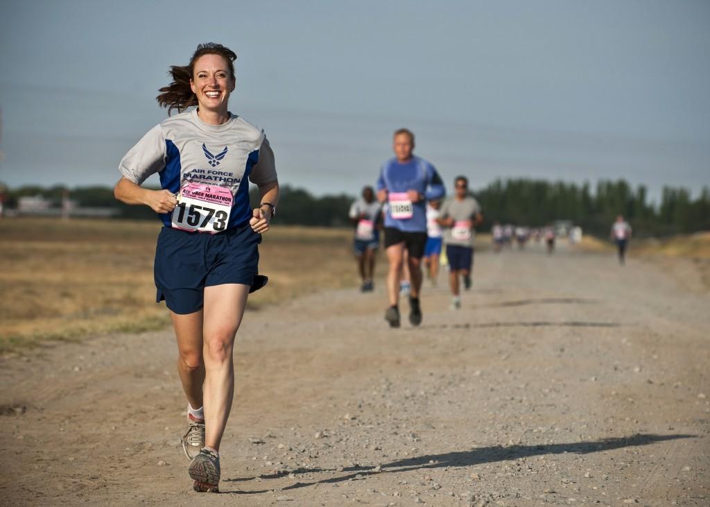 runner-888016-min